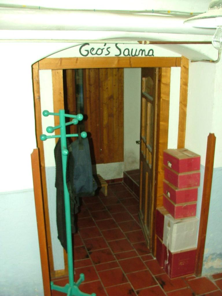 sauna im keller frher versteckten viele ihre sauna im keller inzwischen gehrt sie immer hufiger. Black Bedroom Furniture Sets. Home Design Ideas